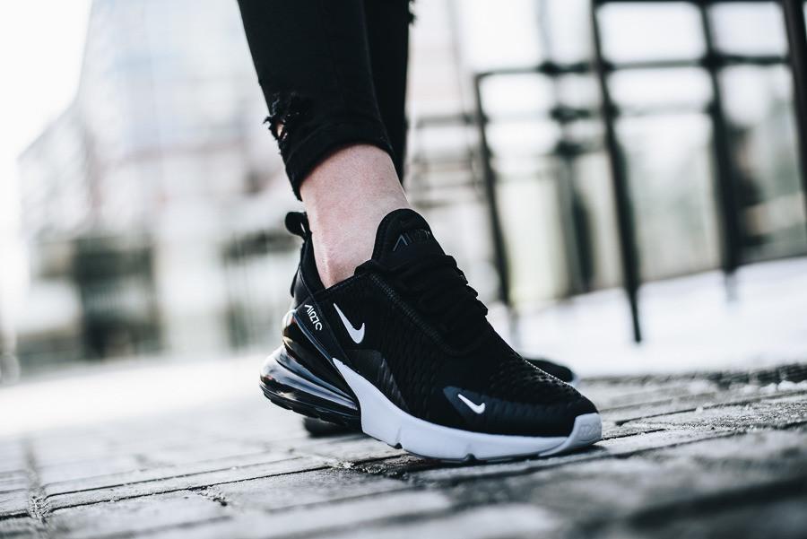 bcb38e2bf352 Купить Оригинальные женские кроссовки Nike Air Max 270 в Днепре от ...