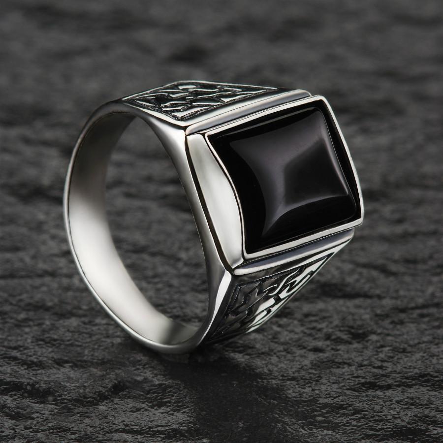 Перстень мужской с черным ониксом 21 размер
