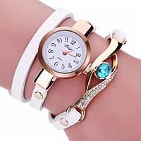 Женские часы-браслет с белым ремешком