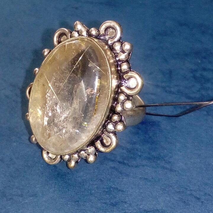 Рутиловый кварц кольцо с натуральным кварцем-волосатиком в серебре 18-18,5 размер Индия