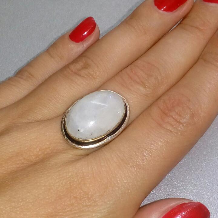 Лунный камень кольцо с натуральным лунным камнем в серебре 18.0-18.5 размер Индия