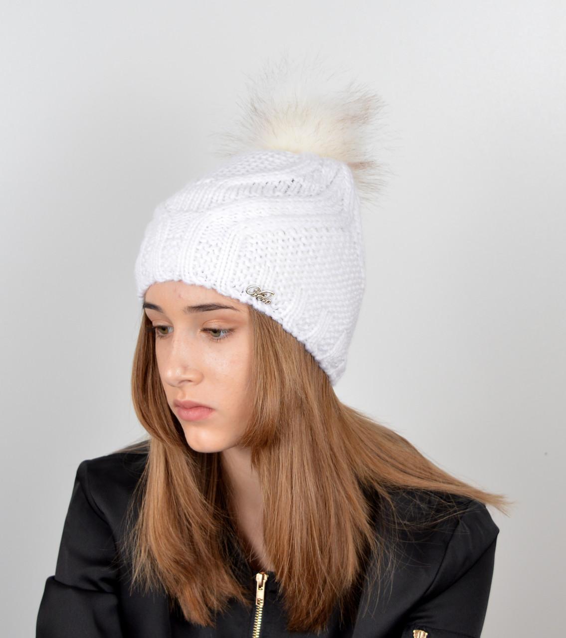 Женская шапка с помпоном 3358 белый