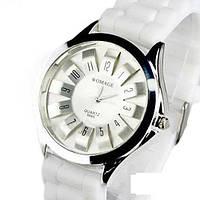 Модные женские часы WoMaGe с силиконовым ремнем белый цвет
