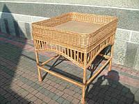Плетеный столик-витрина из лозы