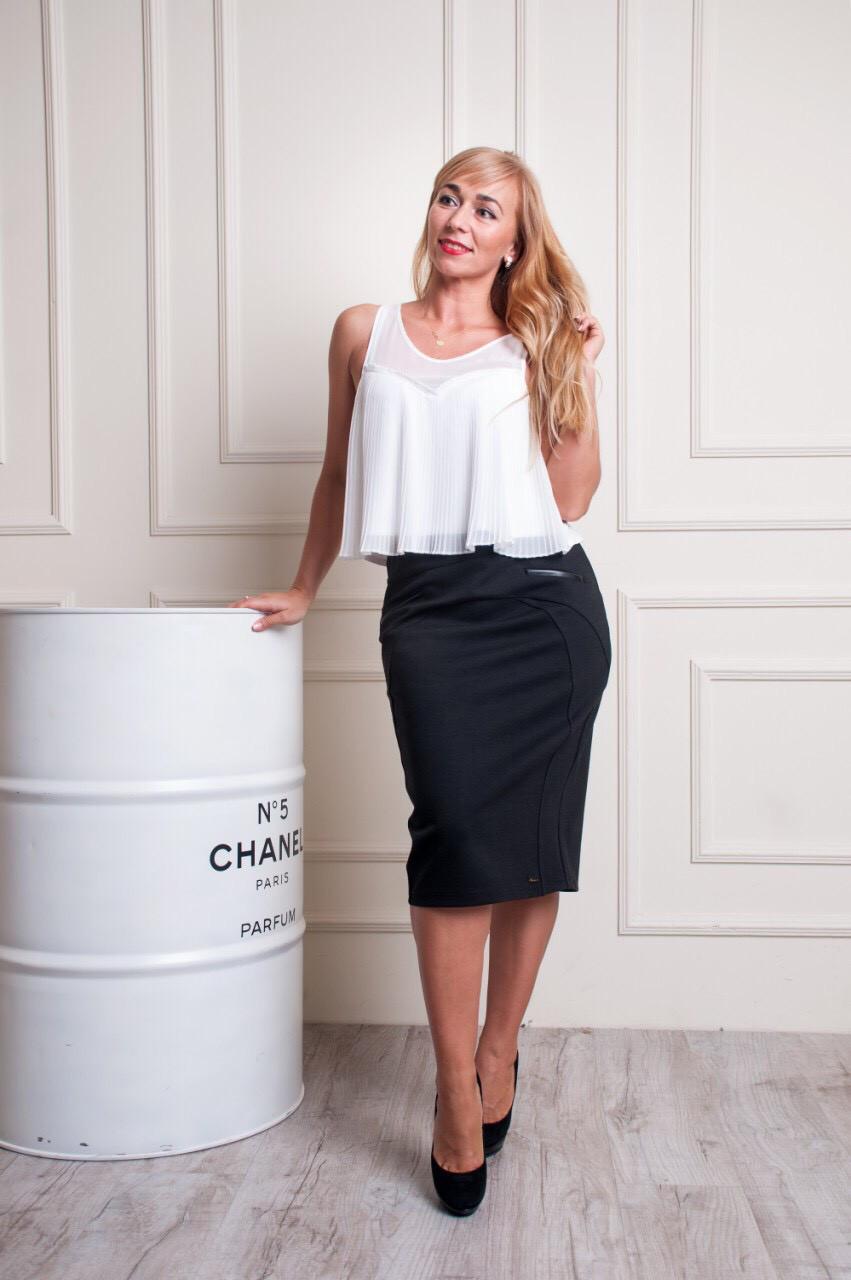 Женская прямая юбка Эмилия больших размеров черная