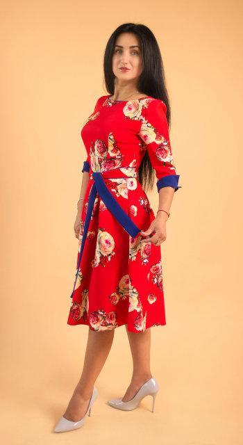 Женское платье миди красного цвета