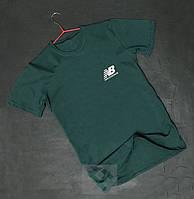 Чоловіча зелена футболка оксамитовим принтом New Balance Нью Баланс (РЕПЛІКА)