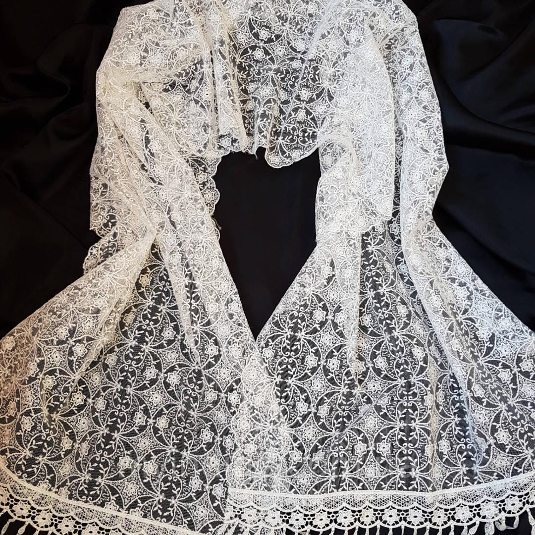 Білий шарф для хрещення або вінчання