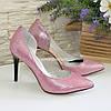 """Женские кожаные туфли на шпильке, цвет розовый с тиснением """"питон"""""""