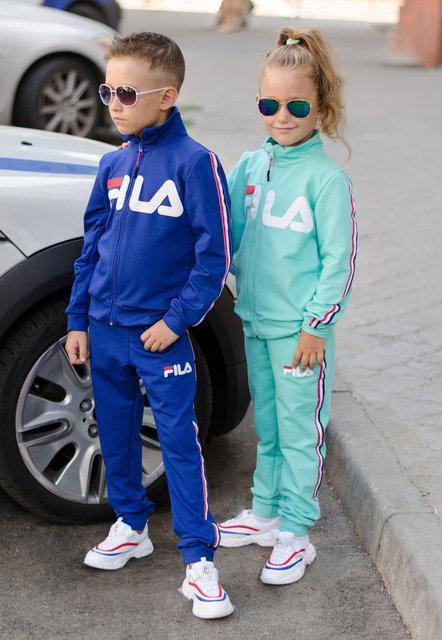 Детские костюмы лёгкие и тёплые