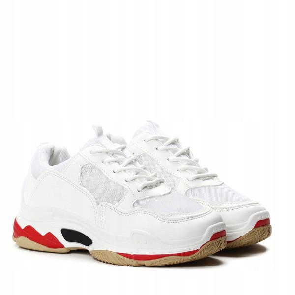 Очень популярные женские кроссовки от производителя  размеры 36-38 маломерят