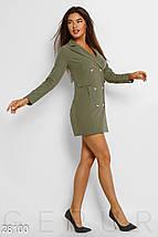 Демисезонное платье пиджак облегающее мини длинный рукав с карманами и пуговицами хаки, фото 2