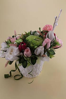 Композиция из конфет в кашпо из роз и георгин , фото 2