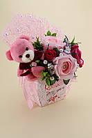 Коробка конфет Raffaello украшенная мишкой и розами