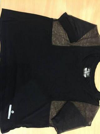 Спортивная женская футболка  р-р S-M-L  черная