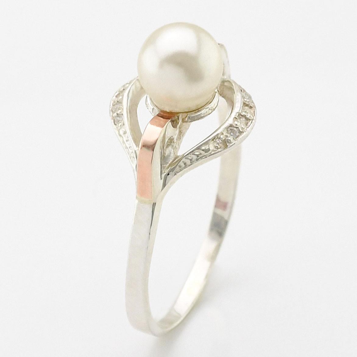 """Серебряное кольцо с золотыми пластинами """"Улыбка"""", вставка искусственный жемчуг, вес 2.54 г, размер 16"""