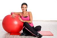 Упражнения с фитболом для поясницы