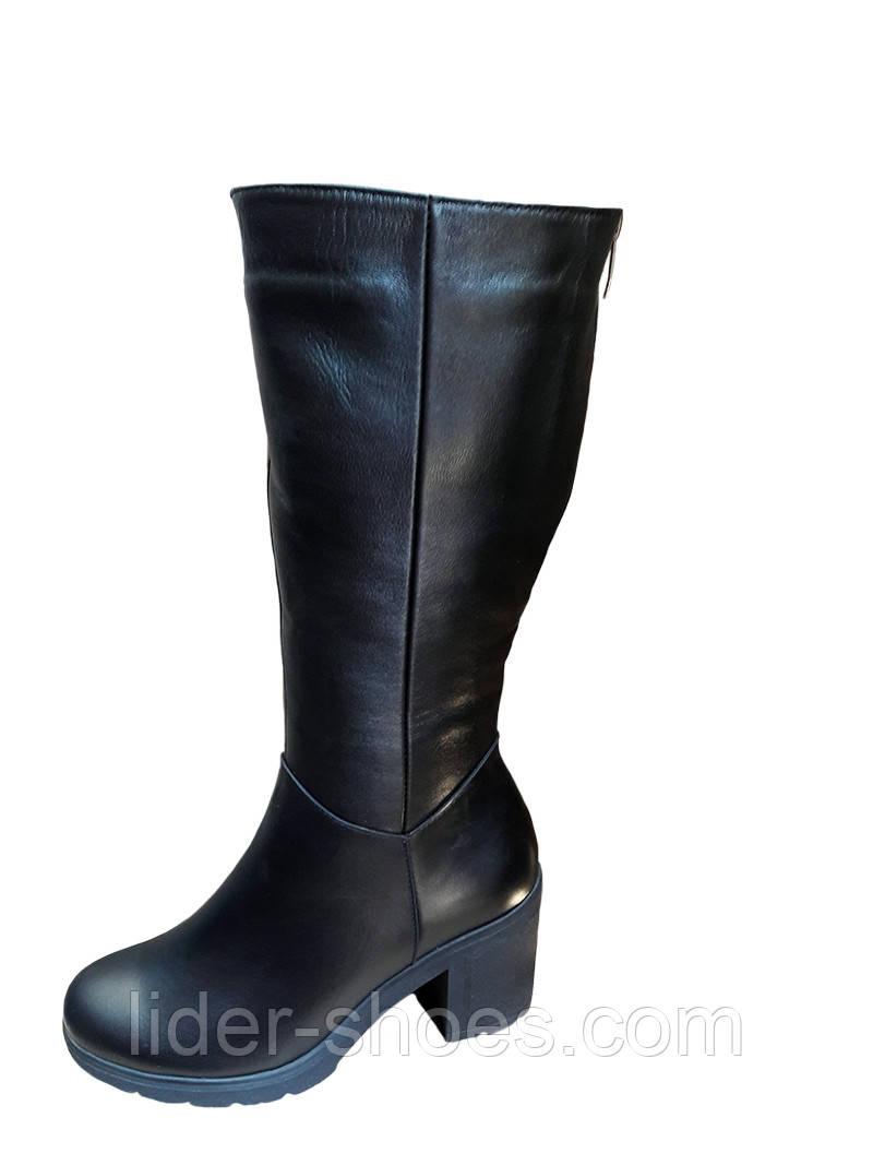 Женские зимние сапоги на широкую ногу