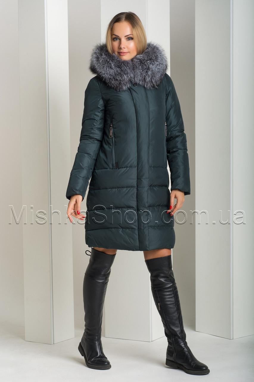 Красивый пуховик из матовой ткани с натуральным мехом чернобурки Peercat 18-775 изумрудного цвета