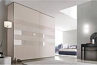 Шкаф купе на заказ c стеклами lacobel 1013 на фасаде Zola V114