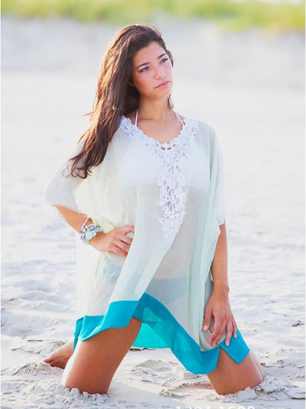 Пляжная накидка белая с голубым кантом