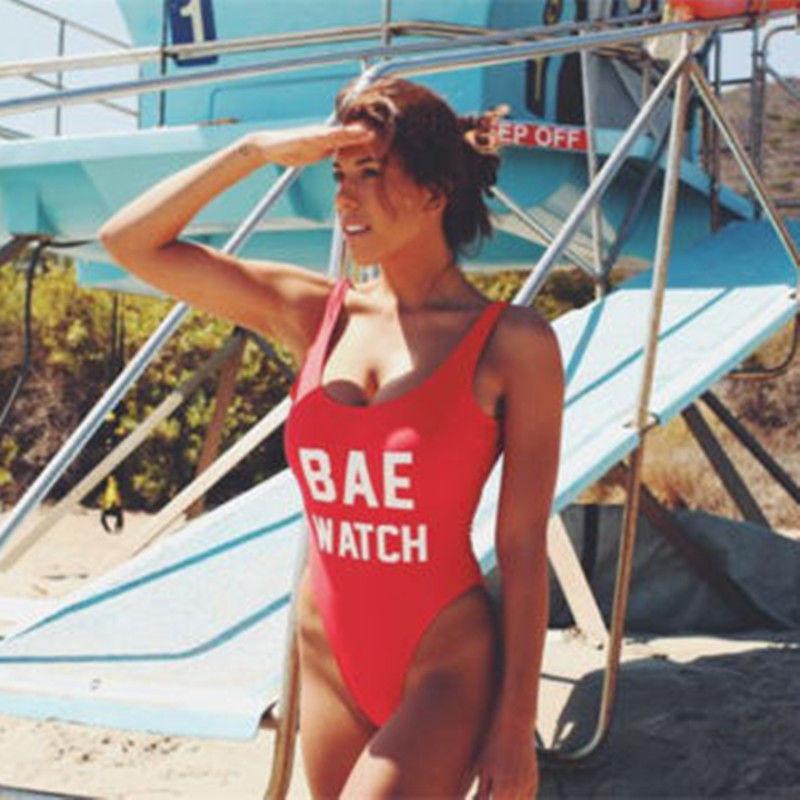 Сплошной монокини купальник Спасатели Малибу красный