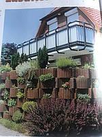 Вазон, клумба, цветущий забор