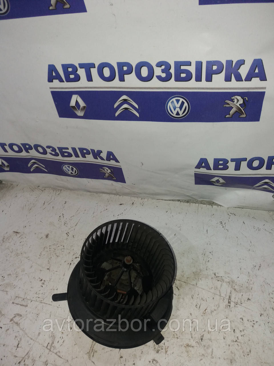 Моторчик печки Volkswagen Caddy 04-09 Фольксваген Кадди Кадді