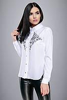 e272a116b78 Элегантная белая блуза с вышивкой черного цвета в области груди