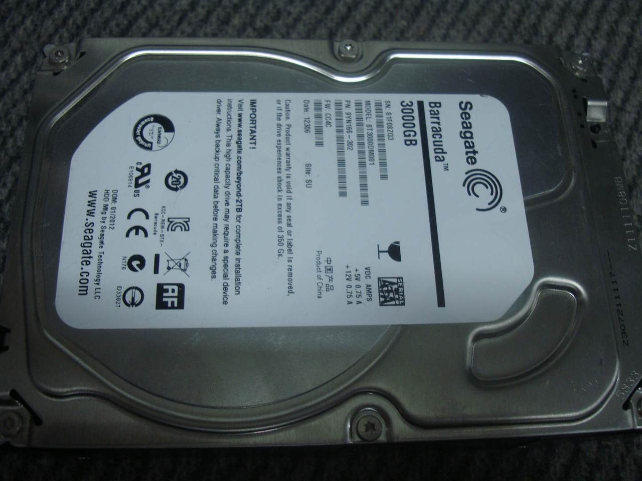 Жорсткий диск Seagate Desktop HDD 7200.14 3TB не робочий
