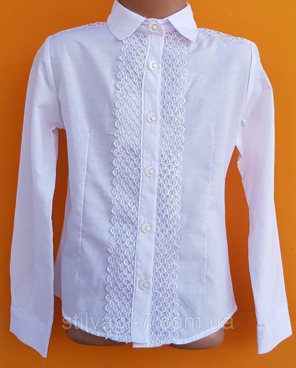 Блузка для девочки 10-13 лет белого цвета с планкой оптом