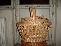 Набор из плетеных корзин протягований