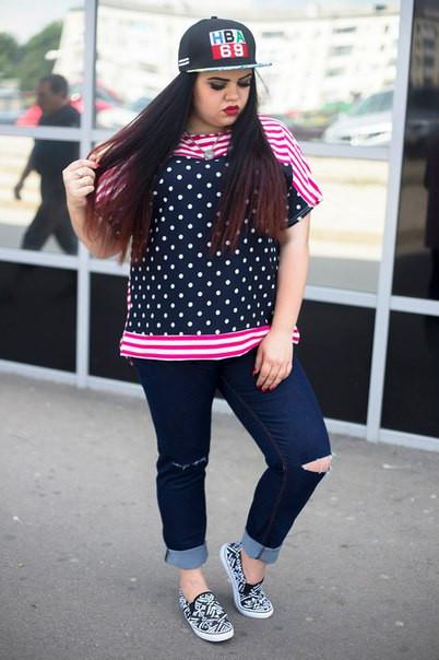 Летняя стильная женская футболка в больших размерах g-10ba678
