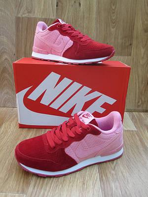 Женские Кроссовки в стиле  Nike Air Berwuda замшевые малиновые с розовым