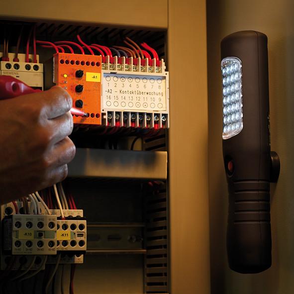 Фонарь автомобилиста светодиодный переносной, 21 LED с линзами, магнит, крючок для подвеса.