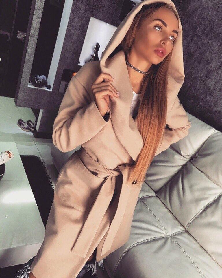 Кашемировое женское пальто с объемным капюшоном 18pt30