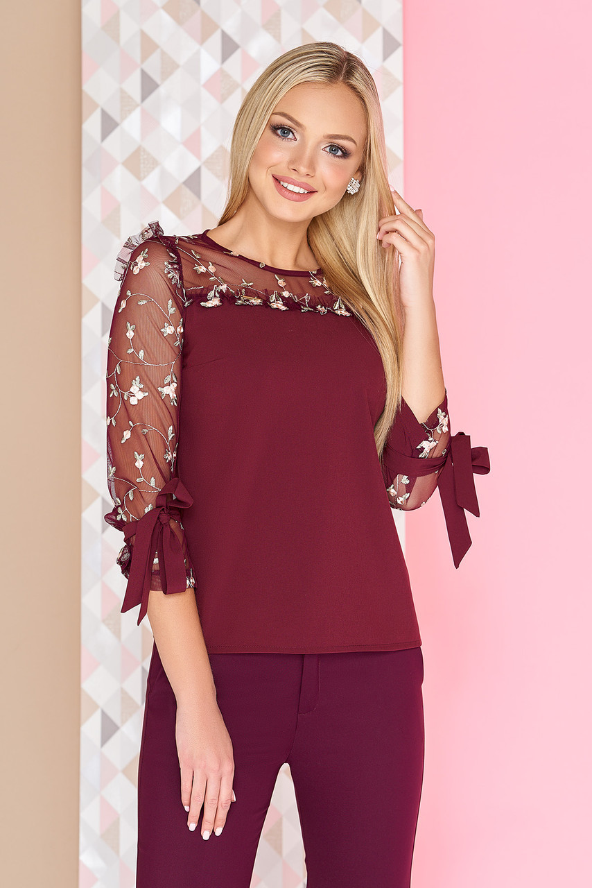 Нарядная женская блузка с вышивкой