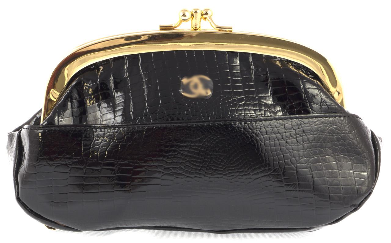 Женская элитная лаковая кожаная косметичка на поцелуях art. B9031B черная