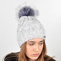 """Вязаная женская шапка """"Lucy"""" с меховым помпоном, фото 3"""