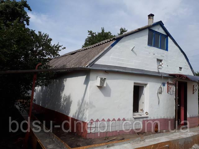 Старая постройка перед демонтажом