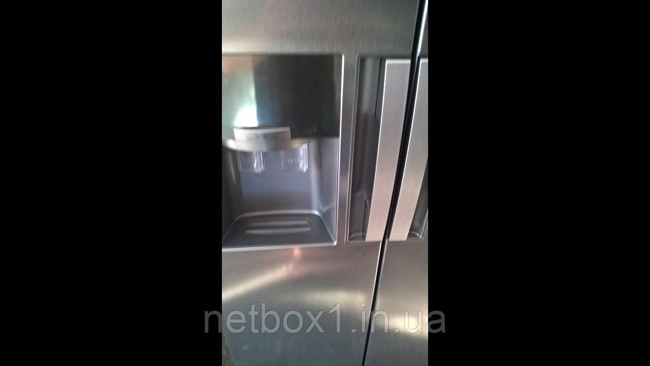 Холодильник Samsung RS7768FHCSL