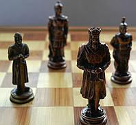 Шахматы металлические 36*36 см на деревянной доске (Римские воины)