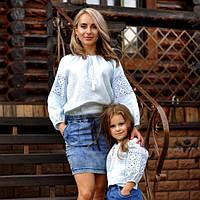 Комплект вышитых блуз для мамы и дочки из тончайшего льна с нежной вышивкой, фото 1