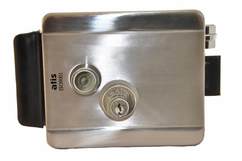Установлен контроль доступа, блокирующий 2 двери и выполняющий функции ограничения доступа.