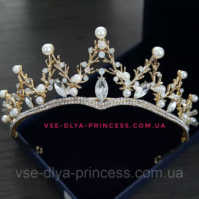 Диадема, корона,  тиара под  золото с жемчугом и камнями,  высота 5,5 см.