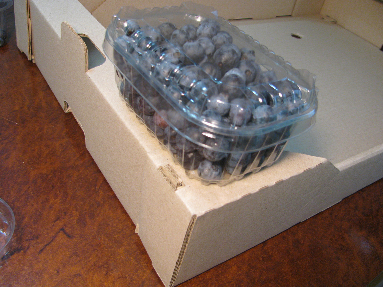 Пластиковый контейнер для  250 г. ягод