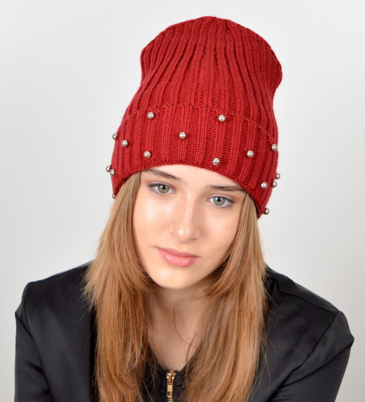 молодежная шапка с жемчугом