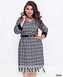 Элегантное платье с диагональной линией вдоль кокетки украшенной декорированными пуговицами размеры 52-60, фото 3