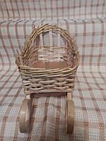 Новогодняя корзинка-санки из лозы
