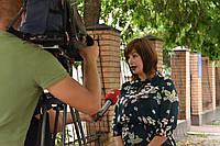 """Интервью нашего руководителя, Засобы Инны, о левшах, каналу """"1+1"""""""